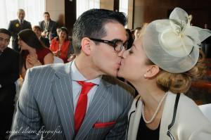 foto de la cereminia civial de estefi y enis por anibal alvarez fotografo en el el hotel rayentray de puerto madryn