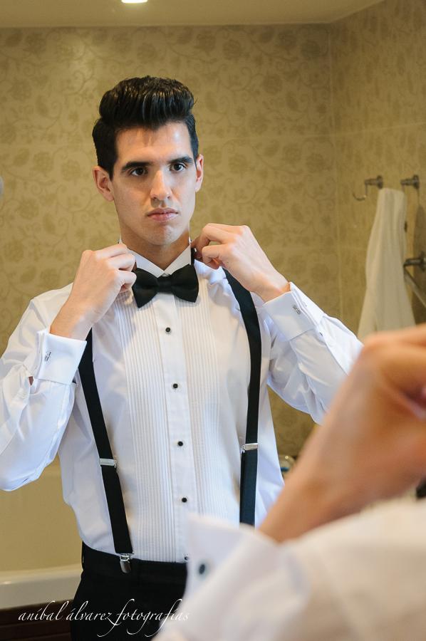 foto de los preparativos de la boda de estefy y denis por anibal alvarez fotografo en el hotel rayentray de puerto madryn