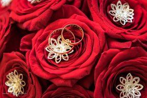 Rocio + Adrian detalle de ramo y anillos por Anibal Alvarez Fotografo
